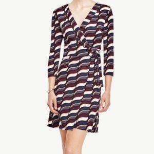 Ann Taylor Wavy Print 3/4 Sleeve v-Neck Wrap Dress